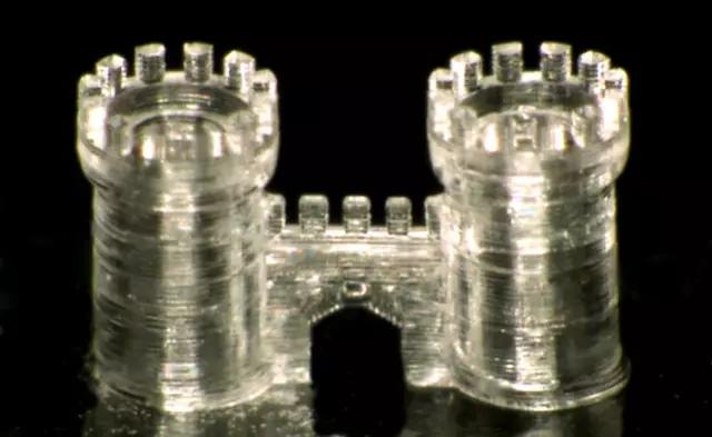 3D打印机可以制造鞋子到飞机组件